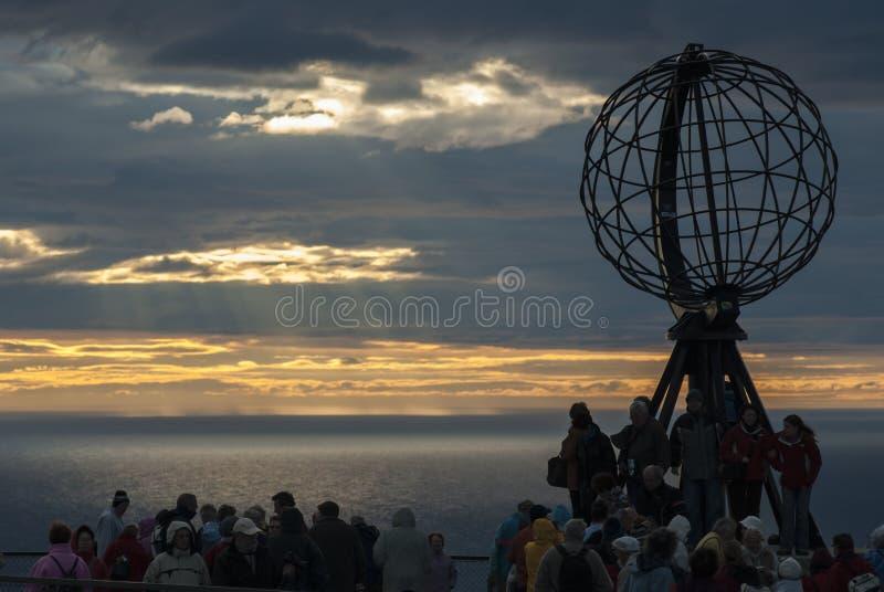 NORD CAPE/NORWAY - 27 juin 2007 - monument de globe au nord photo libre de droits