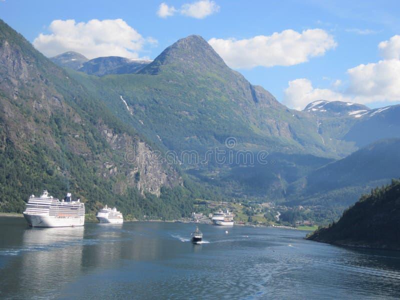 Nord-Europa-Expedition mit Kreuzschiff lizenzfreies stockfoto