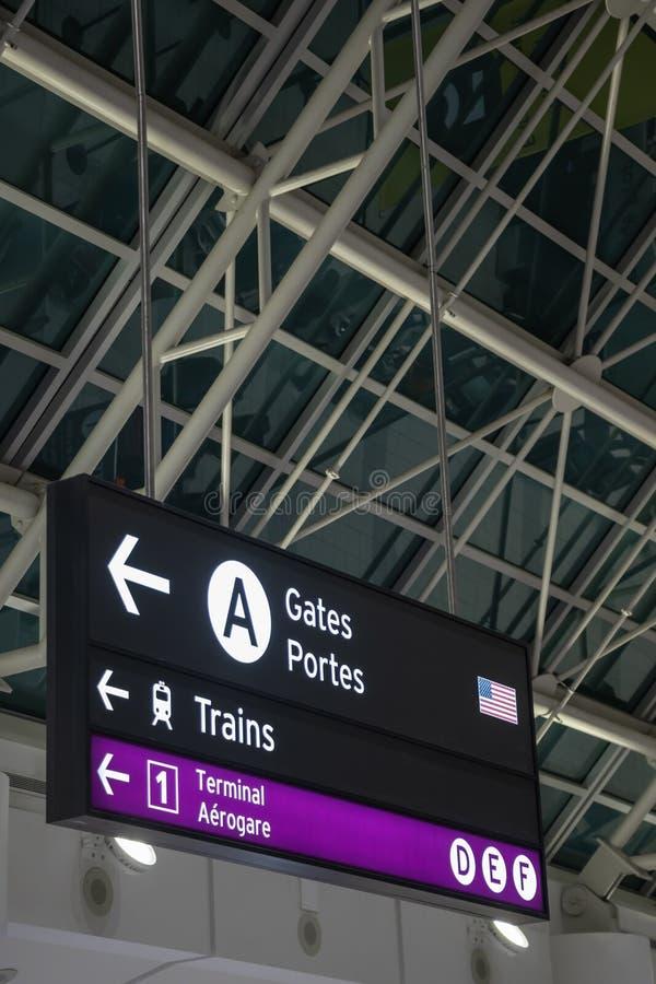 Nord för riktningstecken - amerikansk flygplats royaltyfria bilder