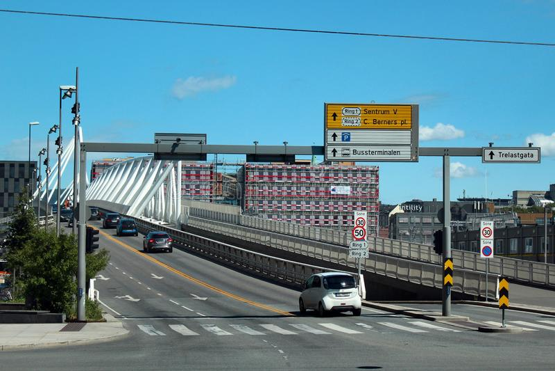 Nordenga bro i centrala Oslo, Norge royaltyfria foton