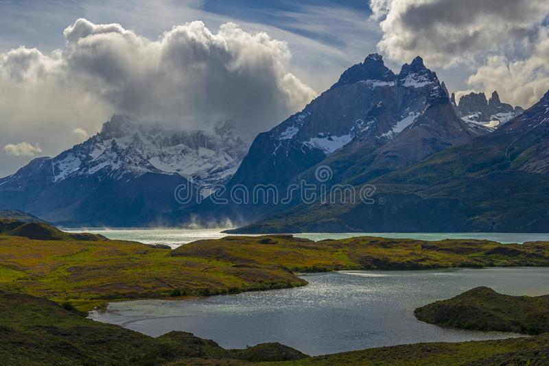 Nordenskjold y lago Pehoe en la Patagonia, Chile fotos de archivo libres de regalías
