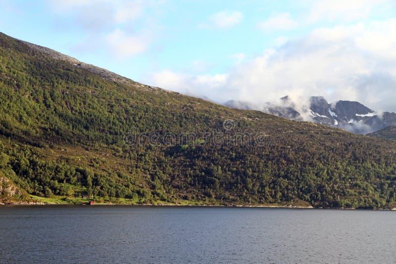 Nordfjord dans vieux, og Fjordane, Norvège de Sogn photo stock