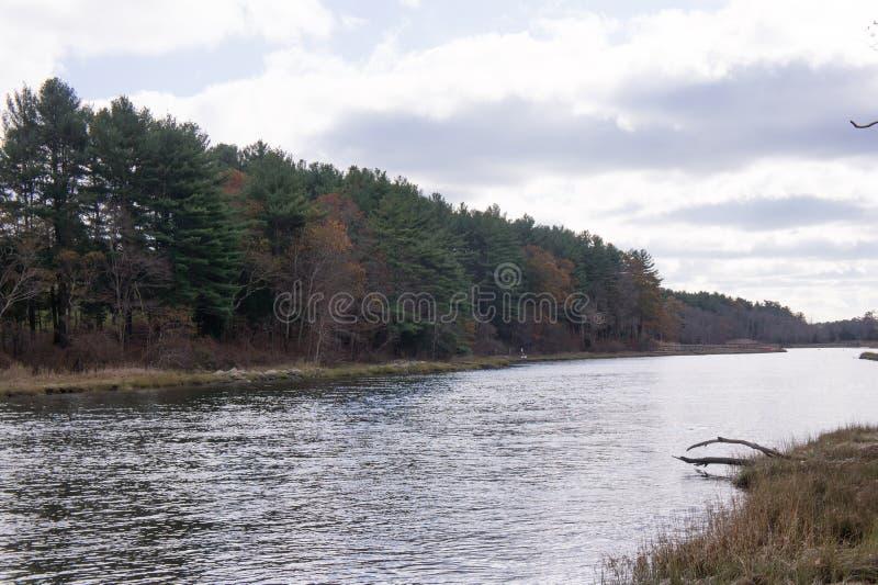 Nordfluß in Norwell, MA von Norris Park lizenzfreies stockbild