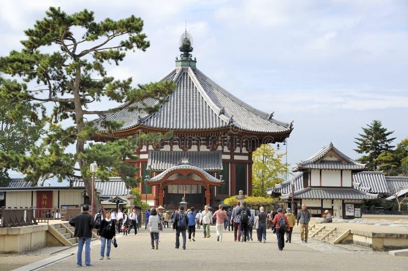Nordliga åttahörniga korridorer av den Kofukuji templet royaltyfri foto