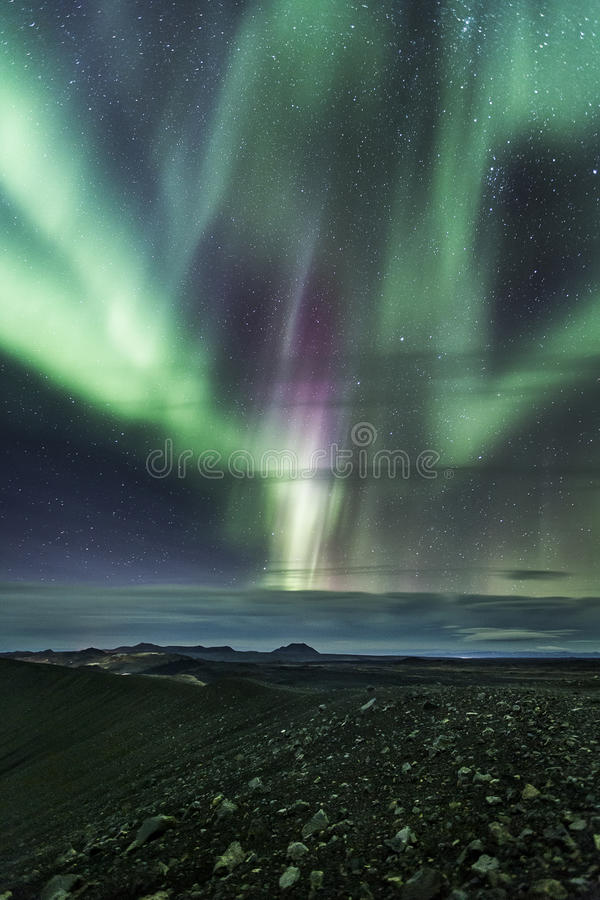 Nordliga ljus över hverfjall royaltyfri fotografi