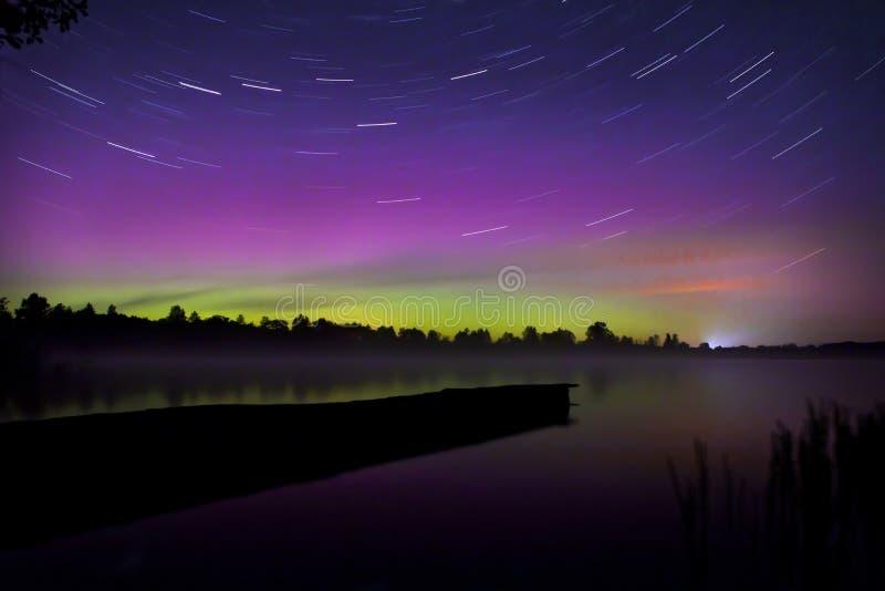 Nordliga ljus i Polen Området av Suwalki 07 10 2015 arkivbild