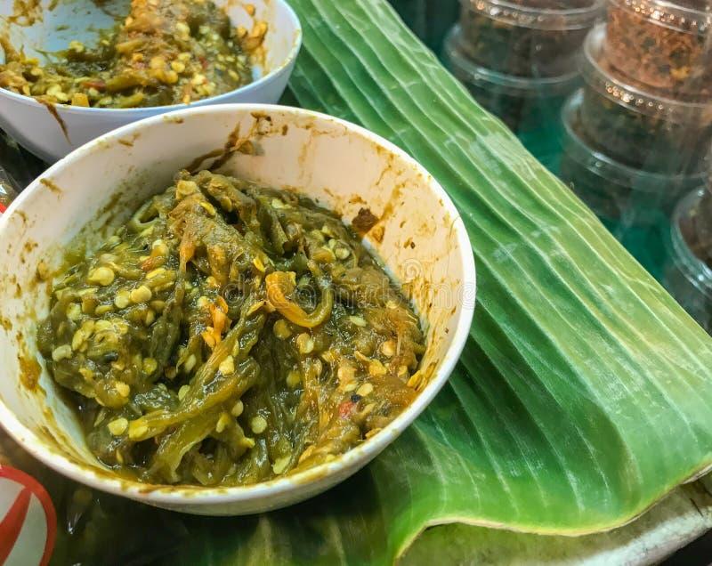 Nordligt thailändskt grönt chilidopp eller Nam Prik Num arkivfoton
