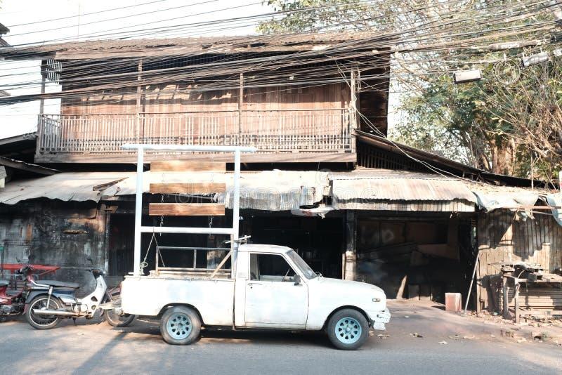 Nordligt thailändskt stilhus i Chiang Mai Thailand arkivbild