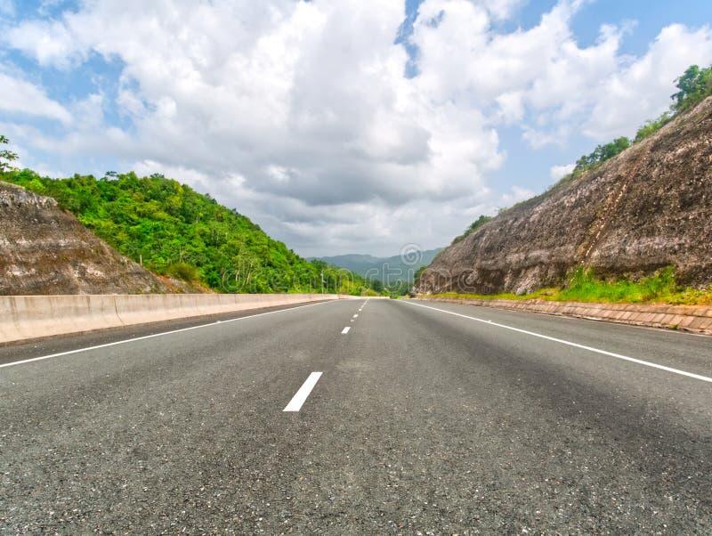 Nordsüdliche hohe Weise in Jamaika Kingston - Ocho Rios stockbilder