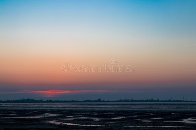 Nordsee Deutschland Wilhelmshaven am Abend lizenzfreies stockbild