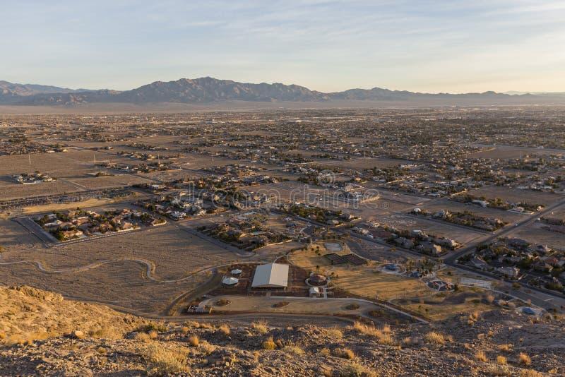 Nordvästlig Las Vegas ottasikt från det ensamma berget royaltyfria bilder