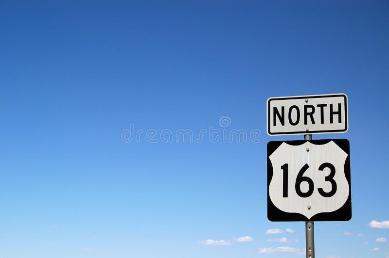Nordzeichen mit 163 Datenbahnen   stockbild
