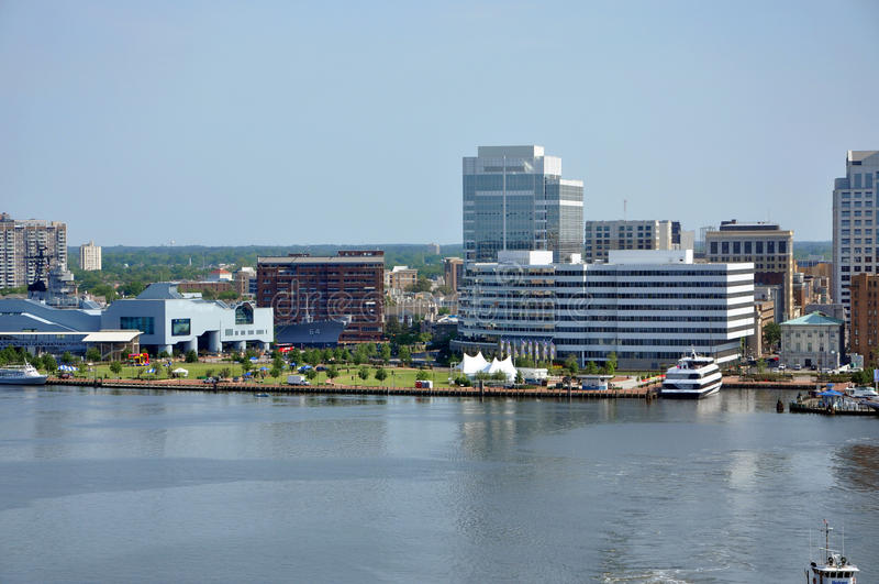 Norfolk-Skyline, Virginia lizenzfreie stockfotografie