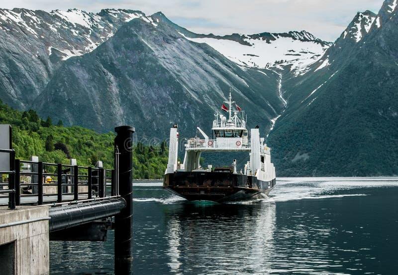 Norge färjalandning royaltyfri foto