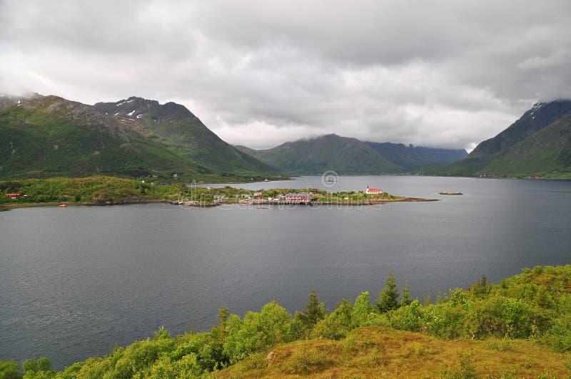 Norge by i Lofoten fjärdlandskap royaltyfri bild