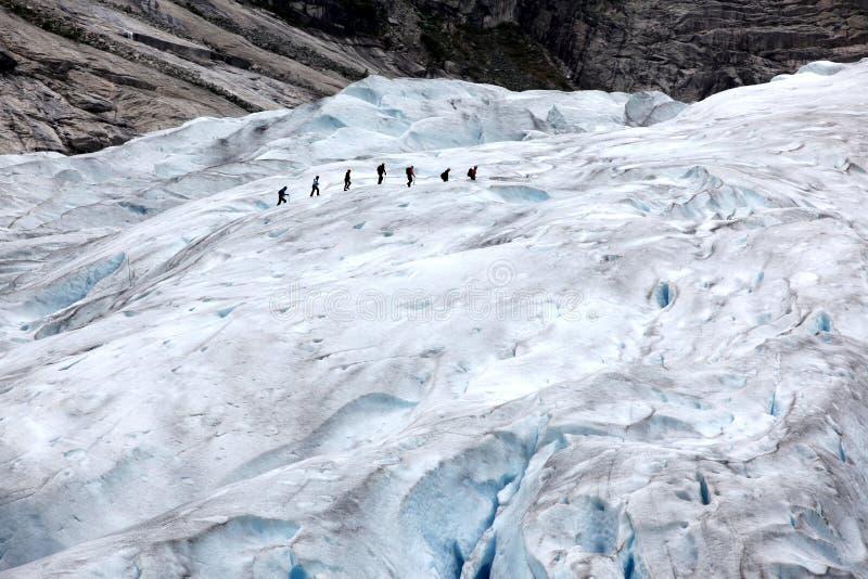 Norge Jostedalsbreen nationalpark. Berömd Briksdalsbreen glac royaltyfri fotografi