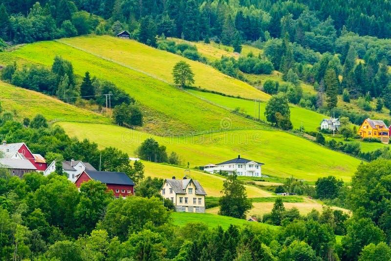 Norge Olden bysommarlandskap royaltyfria bilder