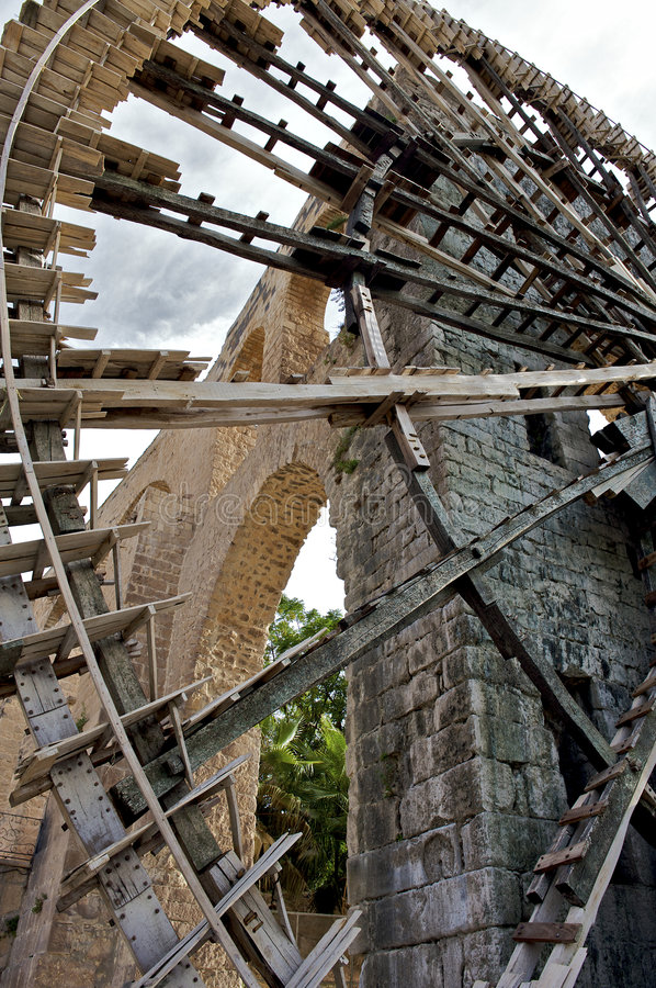 Download Noria Water Wheel In The City Of Hama, Syria Stock Photo - Image: 6830780
