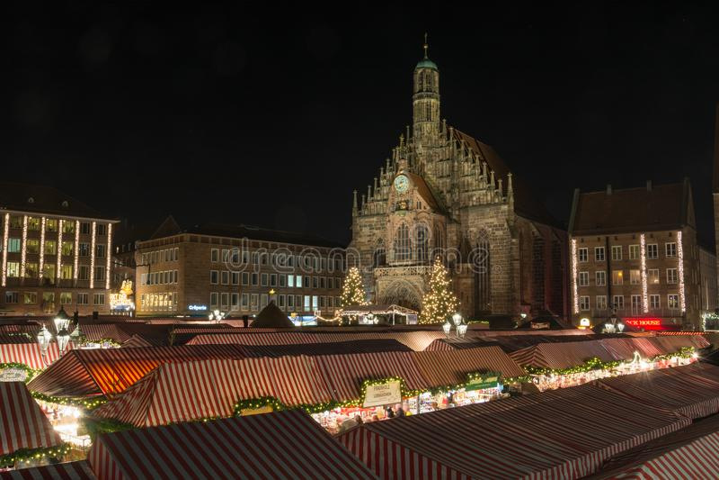 NORIMBERGA, GERMANIA - 7 dicembre 2017: Il mercato di Natale dentro fotografia stock