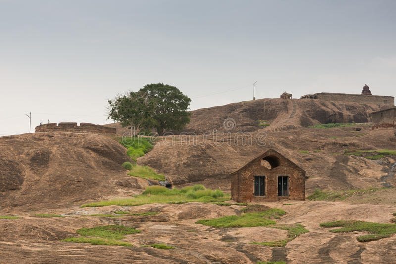 Normale con la fortificazione interna della roccia di Dindigul di rovina immagine stock