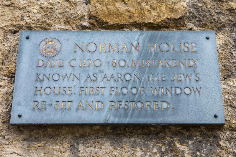 Norman House Plaque i Lincoln royaltyfria foton