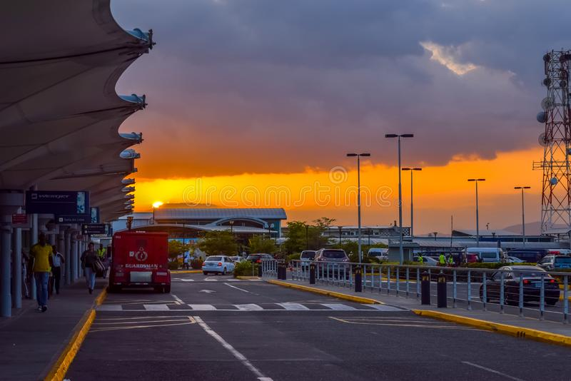 Norman Manley International Airport NMIA i Kingston, Jamaica arkivfoto