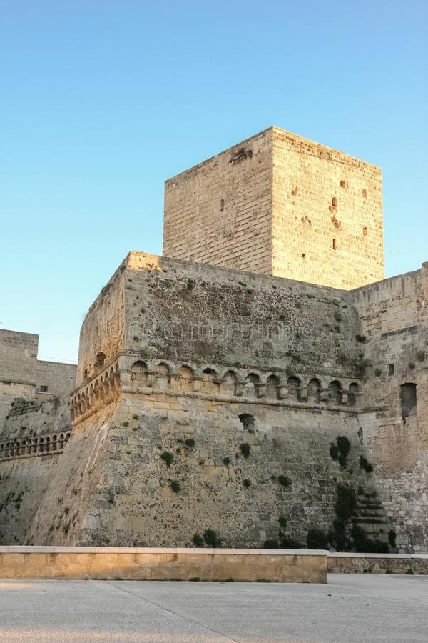 Norman Swabian Castle _ Apulia eller Puglia italy royaltyfri bild