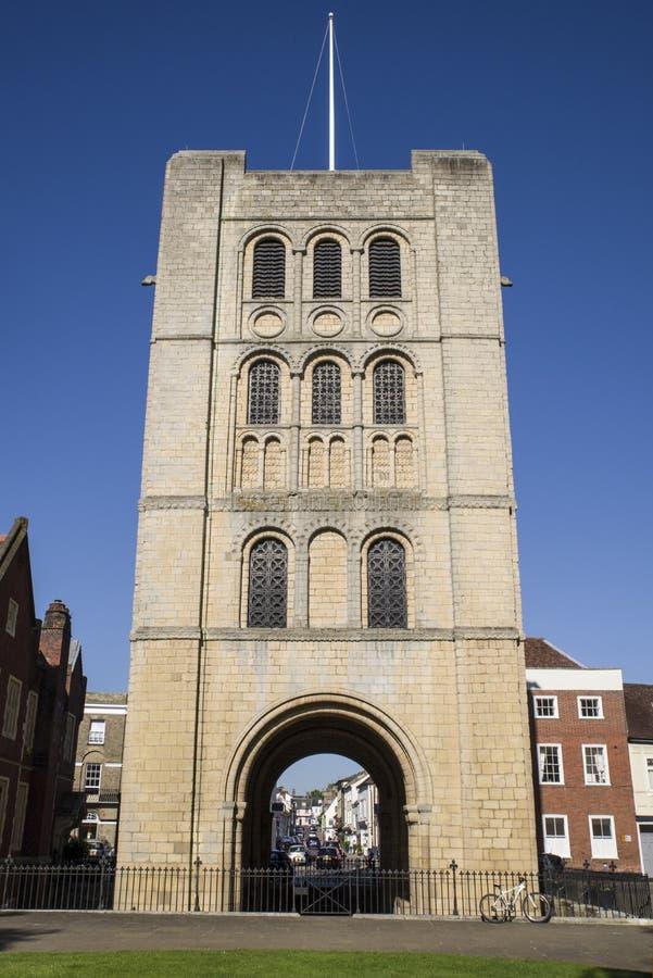 Norman Tower begraver in St Edmunds royaltyfri bild