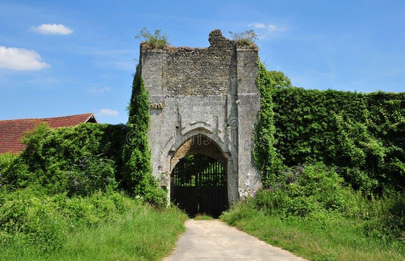 Normandie den pittoreska slotten av Chateausurepte arkivbild