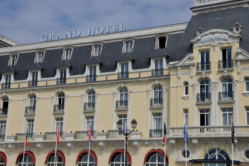 Normandie den pittoreska staden av Cabourg i sommar royaltyfri fotografi