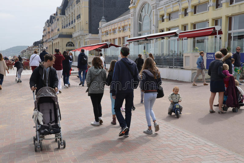 Normandie den pittoreska staden av Cabourg i sommar arkivbild