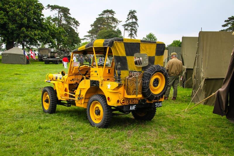 Normandie, Frankreich; Am 4. Juni 2014: Normandie, Frankreich; Am 4. Juni 2014: Weinlese U S Jeep der Armee WWII auf Anzeige lizenzfreie stockfotos