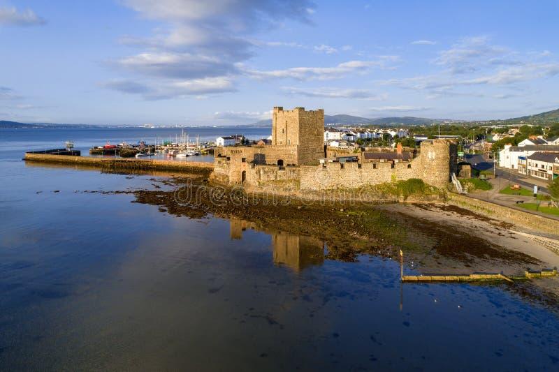 Normandisk slott i Carrickfergus n?ra Belfast arkivfoto