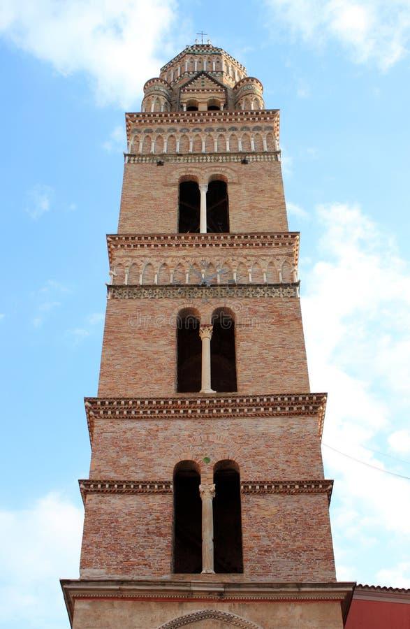 Normandiskt klockatorn av domkyrkan av Gaeta royaltyfri bild