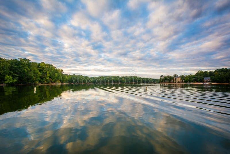 Normando do lago no por do sol, no lago Norman State Park, North Carolina fotos de stock