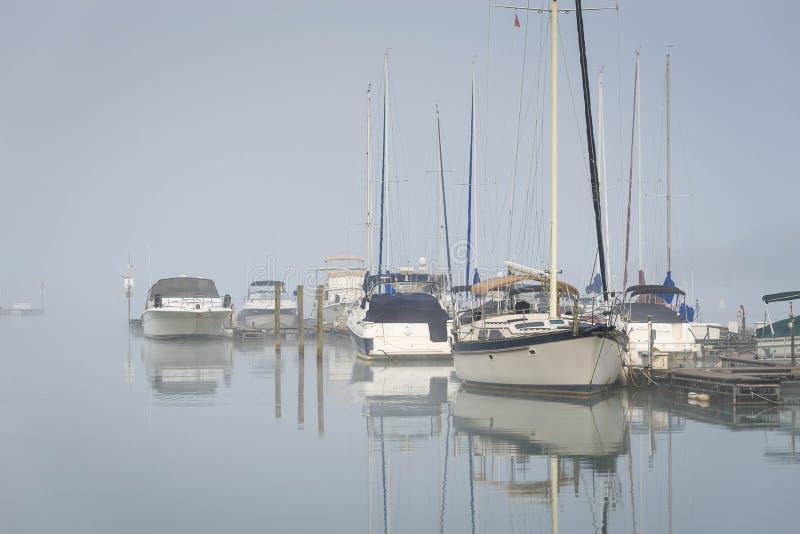 Normando nevoento do lago, North Carolina imagens de stock royalty free