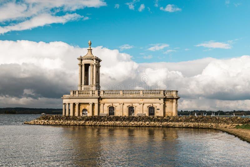 Normanton教会在拉特兰湖公园,英国 免版税库存图片