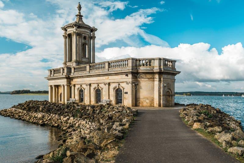 Normanton教会在拉特兰湖公园,英国 免版税库存照片