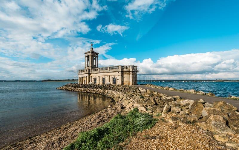 Normanton教会在拉特兰湖公园,英国 图库摄影