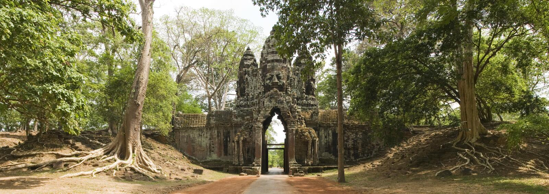 Norr port Angkor Thom, Angkor Wat, Cambodja arkivfoton