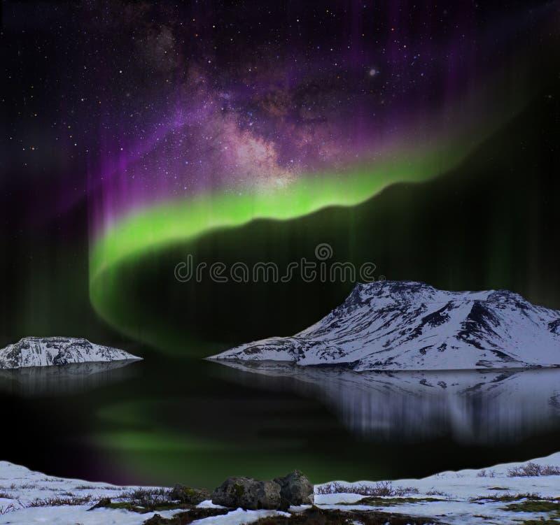 Norrsken eller nordliga ljus royaltyfria bilder