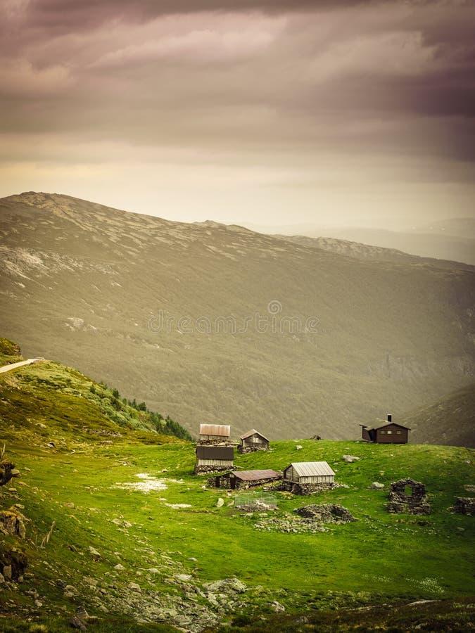 Norsk bergsommarlantg?rd arkivfoton