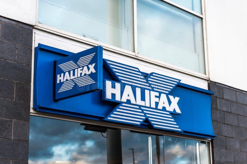 Northampton Großbritannien am 6. Januar 2018: Halifax-Logowegweiser lizenzfreies stockfoto