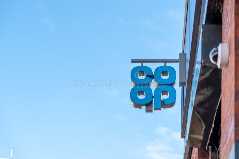 Northampton UK Październik 28 2018: dnia widok spółdzielnia logo znaka obwieszenie na sklep ścianie obrazy royalty free