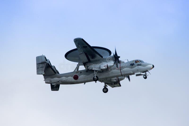 Northrop Grumman E-2C på Okinawa fotografering för bildbyråer