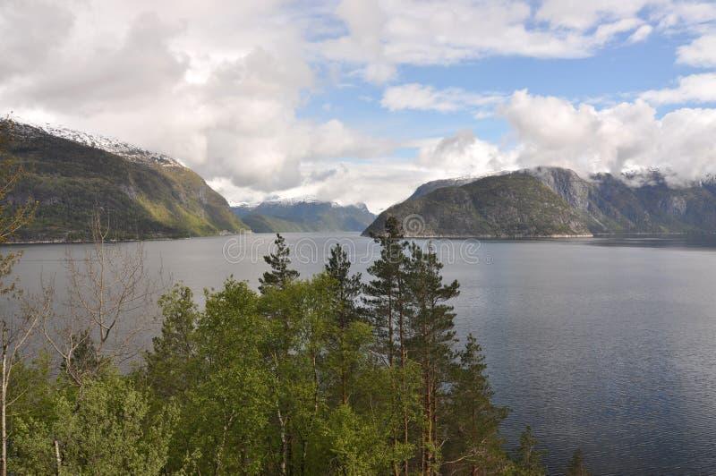 Noruega, fiordo noruego fotos de archivo