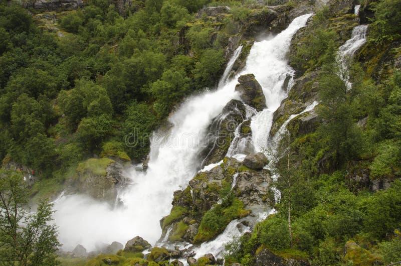 Download Noruega - Parque Nacional De Jostedalsbreen - Cachoeira Foto de Stock - Imagem de expedição, fluxo: 29833174