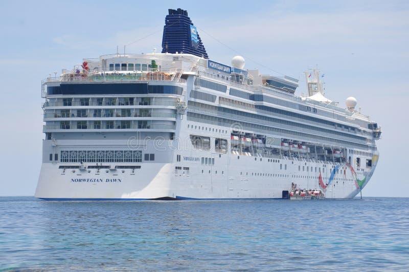 Noruego Dawn Cruise Ship foto de archivo libre de regalías