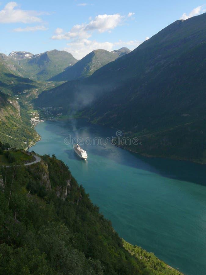 norway för fjordgeirangerberg sikt arkivfoto