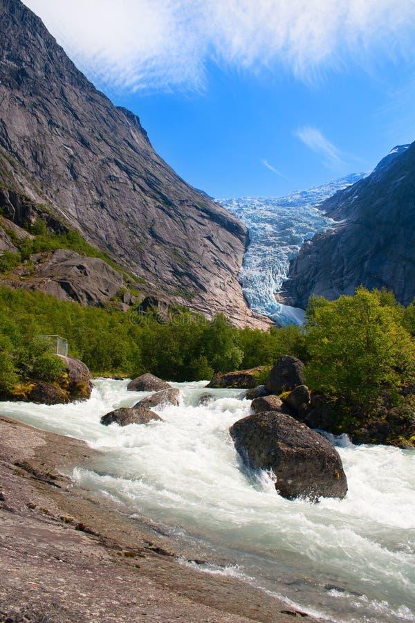 norway Giorno di estate ad un ghiacciaio Briksdal immagine stock libera da diritti